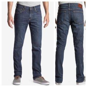 Wrangler Advanced Comfort Slim Straight Jeans